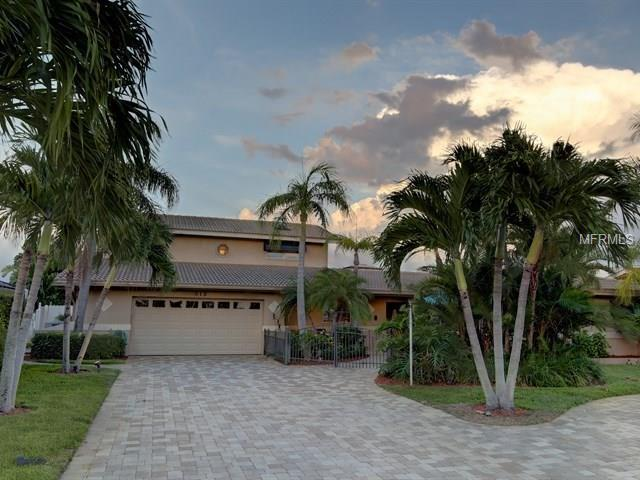 315 Windward Island, Clearwater Beach, FL 33767 (MLS #U7846049) :: The Lockhart Team