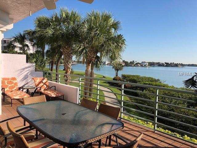 8021 Sailboat Key Boulevard S #105, St Pete Beach, FL 33707 (MLS #U8001215) :: Team Bohannon Keller Williams, Tampa Properties