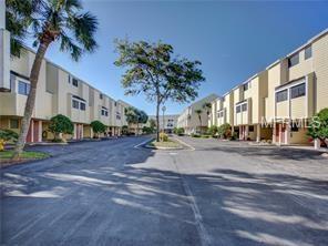 1500 Sunset Road E1, Tarpon Springs, FL 34689 (MLS #U8008763) :: The Duncan Duo Team