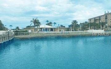 10350 Imperial Point Drive W #4, Largo, FL 33774 (MLS #U8011755) :: The Duncan Duo Team