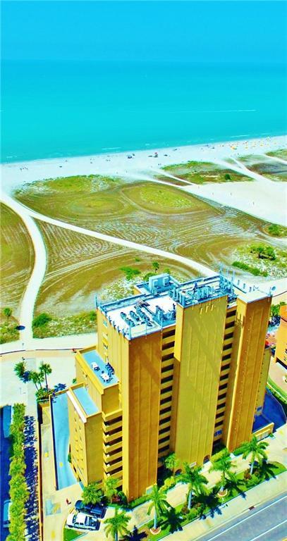11000 Gulf Boulevard #1204, Treasure Island, FL 33706 (MLS #U8041772) :: Charles Rutenberg Realty