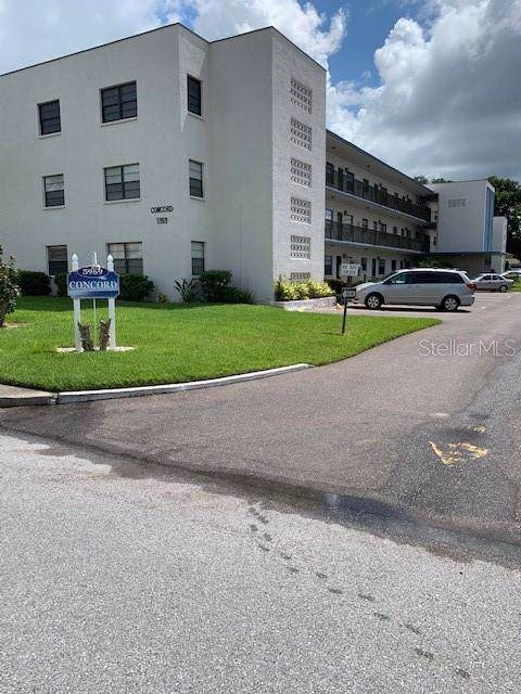 5969 Terrace Park Drive N #211, St Petersburg, FL 33709 (MLS #U8052881) :: Charles Rutenberg Realty