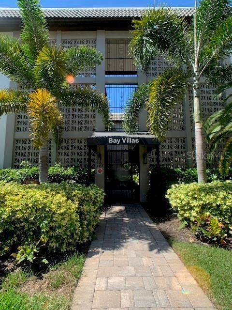 125 5TH Avenue NE #120, St Petersburg, FL 33701 (MLS #U8091395) :: Alpha Equity Team