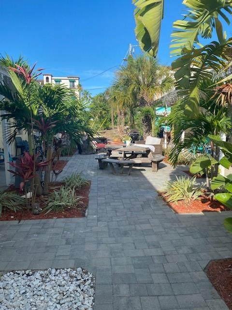 12112-12116 Gulf Boulevard, Treasure Island, FL 33706 (MLS #U8129840) :: Zarghami Group