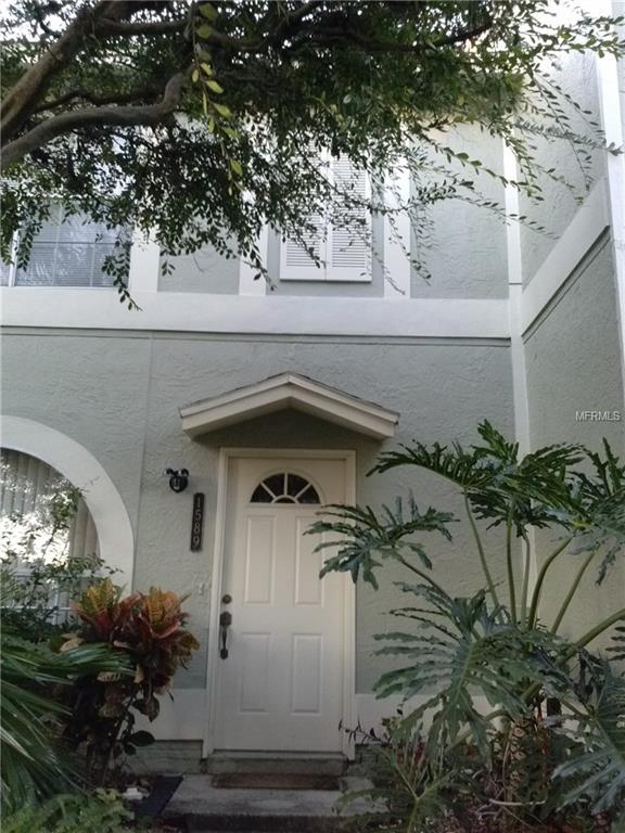 1589 Chateaux De Ville Court, Clearwater, FL 33764 (MLS #W7635370) :: The Duncan Duo Team