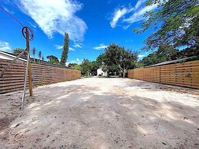 2030 Florinda Street, Sarasota, FL 34231 (MLS #A4478638) :: Griffin Group