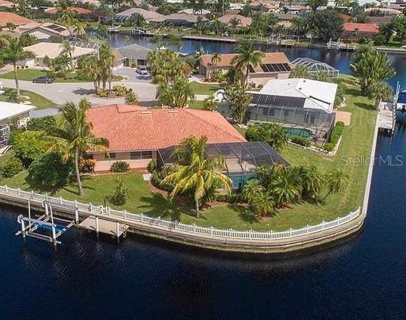 2031 Via Venice, Punta Gorda, FL 33950 (MLS #C7419139) :: Delgado Home Team at Keller Williams