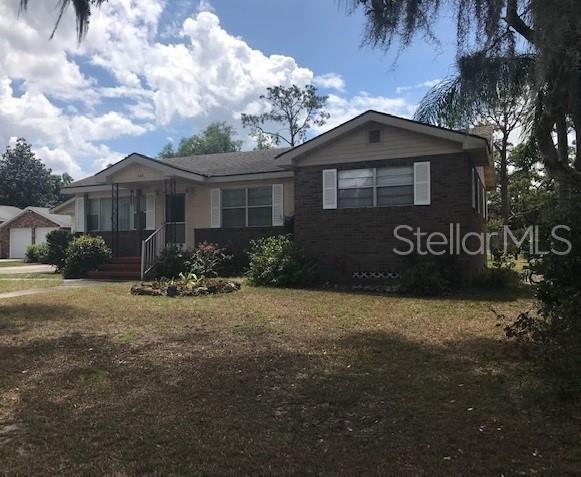 448 E Waldo Street, Groveland, FL 34736 (MLS #G5014315) :: The Duncan Duo Team