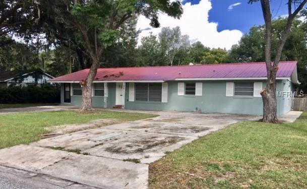 1212 Orange Avenue, Tavares, FL 32778 (MLS #G5015770) :: The Brenda Wade Team