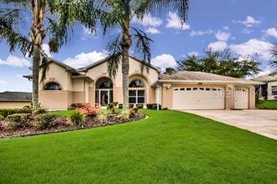 5740 Bounty Circle, Tavares, FL 32778 (MLS #G5017114) :: The Duncan Duo Team