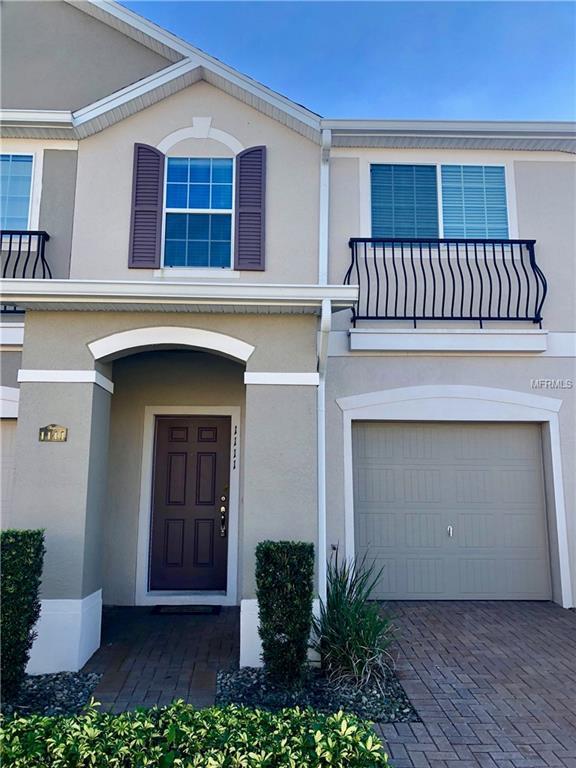 1111 Honey Blossom Drive, Orlando, FL 32824 (MLS #S5010193) :: The Duncan Duo Team