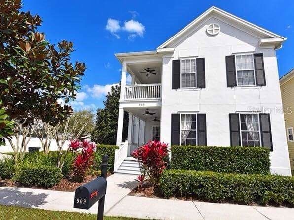 909 Maiden Street, Celebration, FL 34747 (MLS #S5019335) :: Bustamante Real Estate