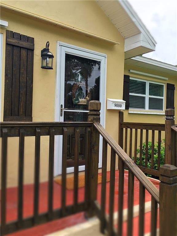 9000 2ND Street N, St Petersburg, FL 33702 (MLS #T3117614) :: The Light Team