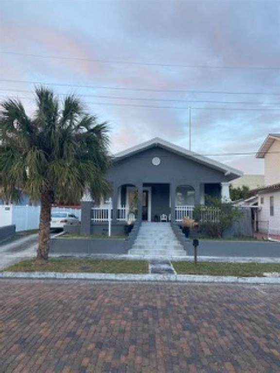 2335 W La Salle Street, Tampa, FL 33607 (MLS #T3303512) :: The Nathan Bangs Group