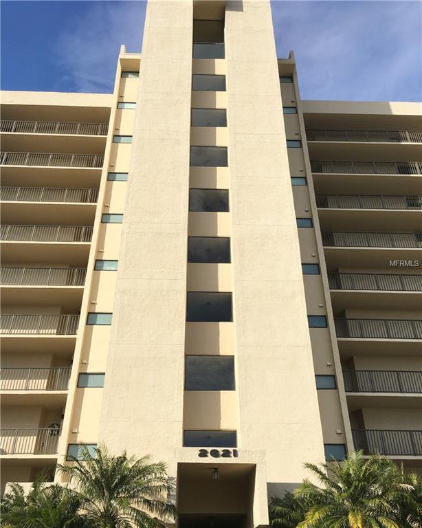 2621 Cove Cay Drive #402, Clearwater, FL 33760 (MLS #U8018996) :: Team Bohannon Keller Williams, Tampa Properties