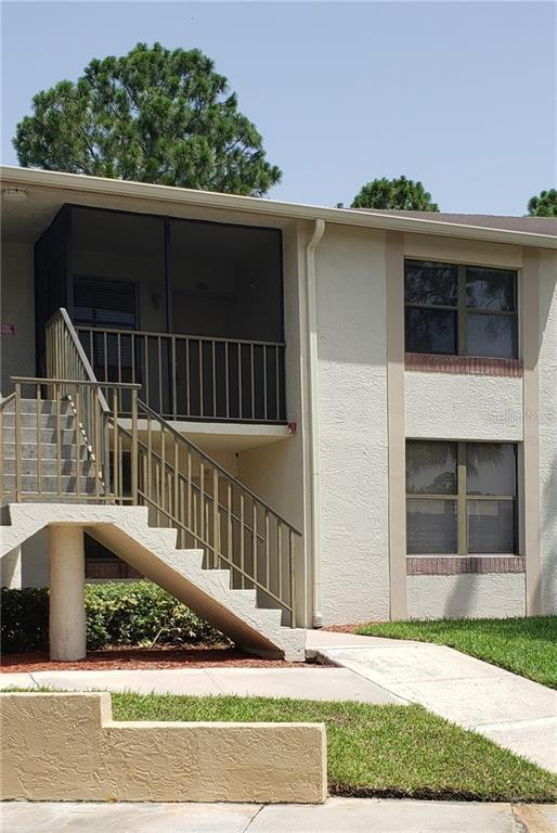 2049 Skimmer Court W #322, Clearwater, FL 33762 (MLS #U8050625) :: Jeff Borham & Associates at Keller Williams Realty