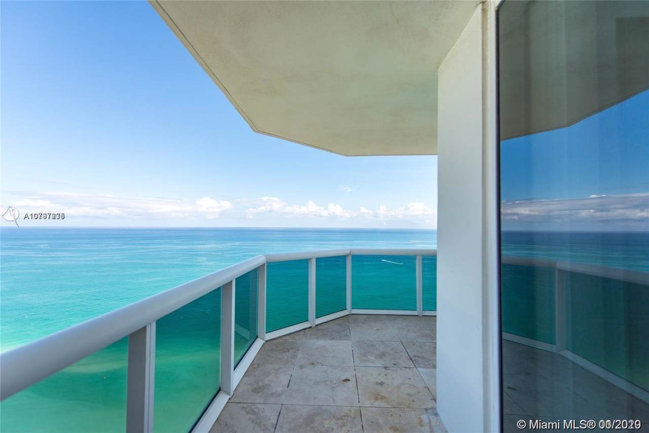 4775 Collins Ave - Photo 1