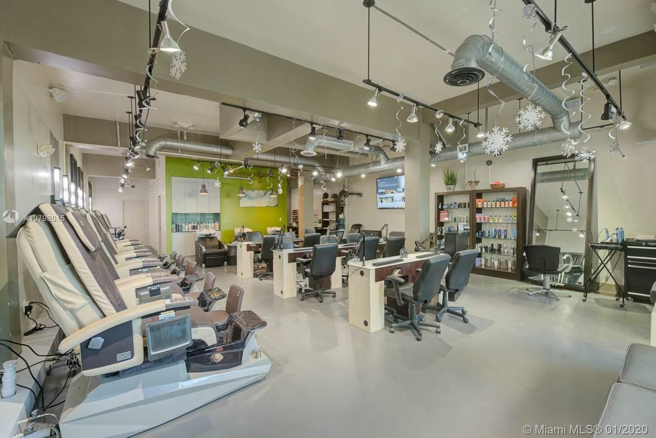 Full Service Beauty Salon - Photo 1
