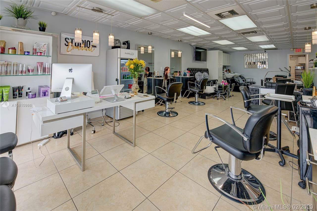 Beauty Salon Off 836 - Photo 1