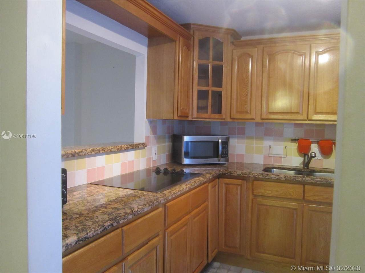 3475 Country Club Dr - Photo 1
