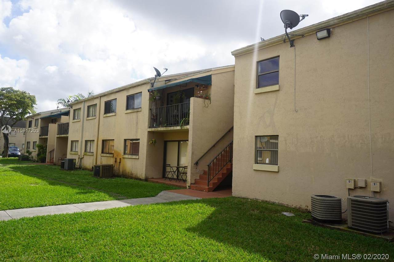 7427 152nd Ave - Photo 1