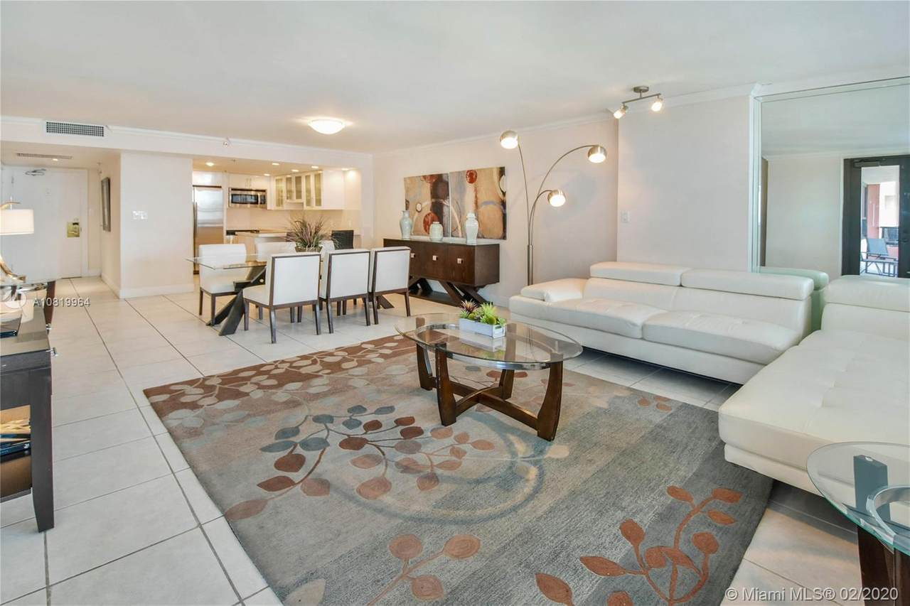 5225 Collins Ave - Photo 1