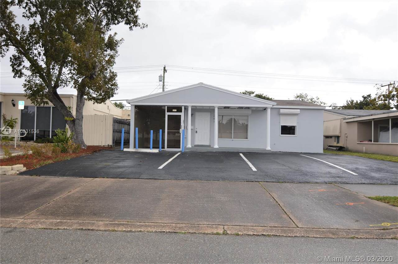 241 Commercial Blvd - Photo 1