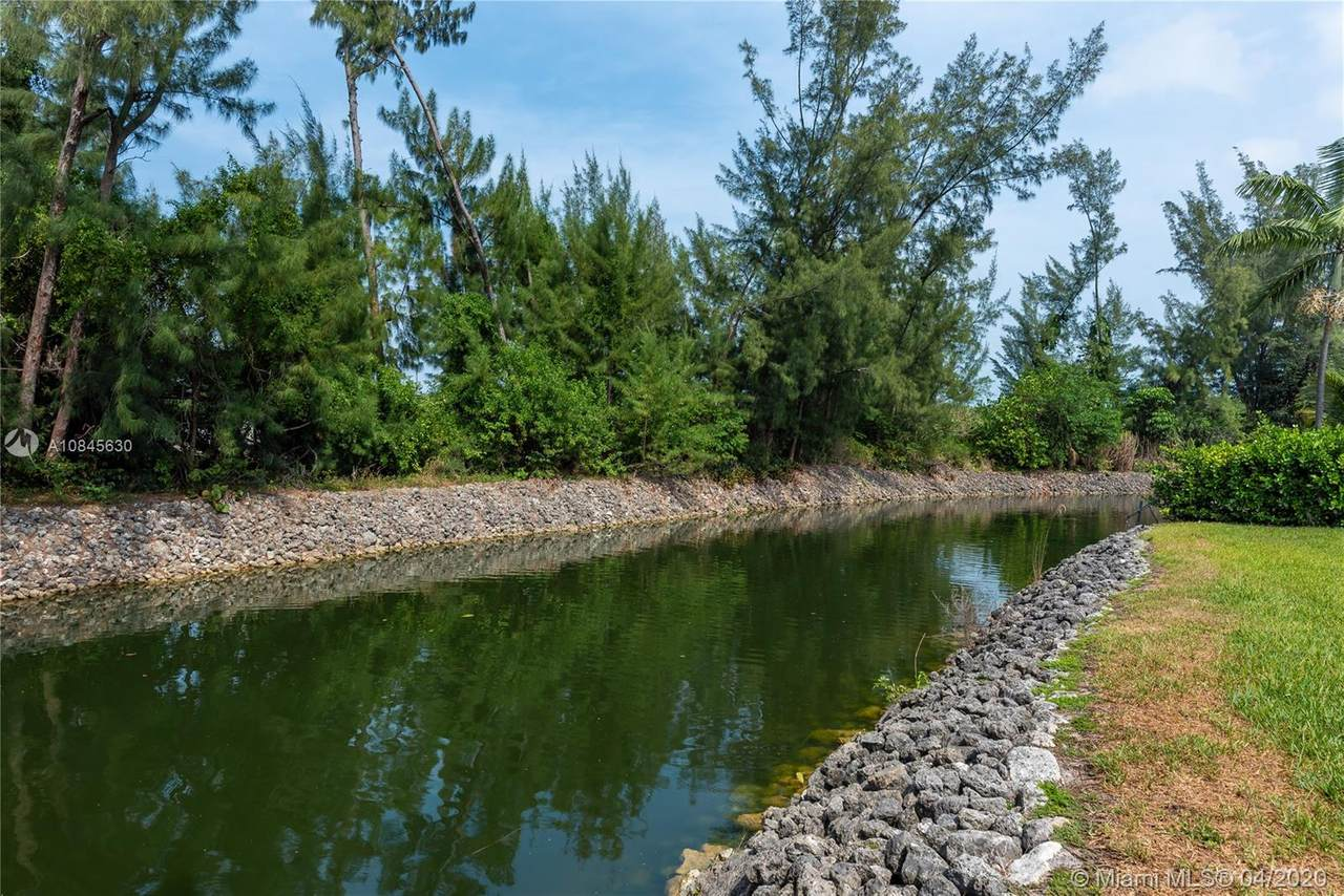 7443 Waterway Dr - Photo 1