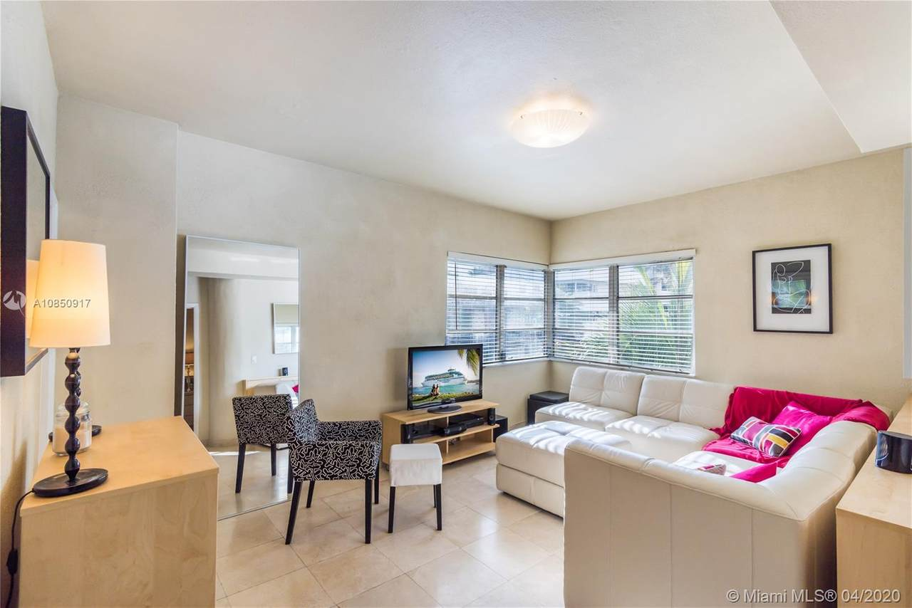 1100 Collins Ave - Photo 1