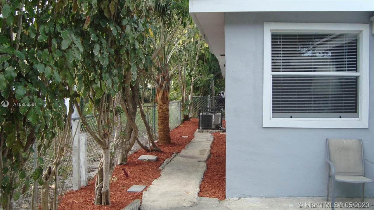426 4th Ave - Photo 1