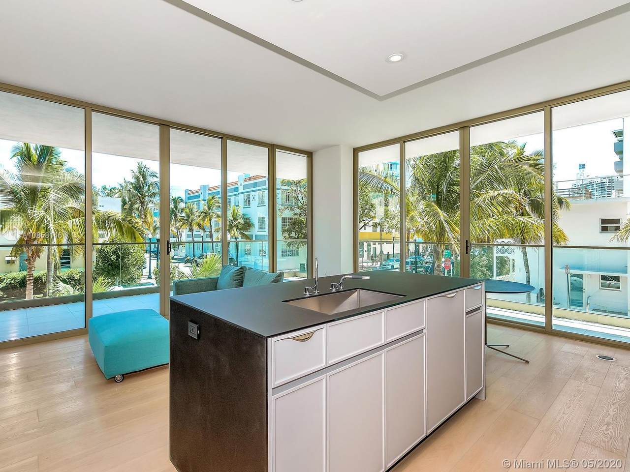 300 Collins Avenue - Photo 1