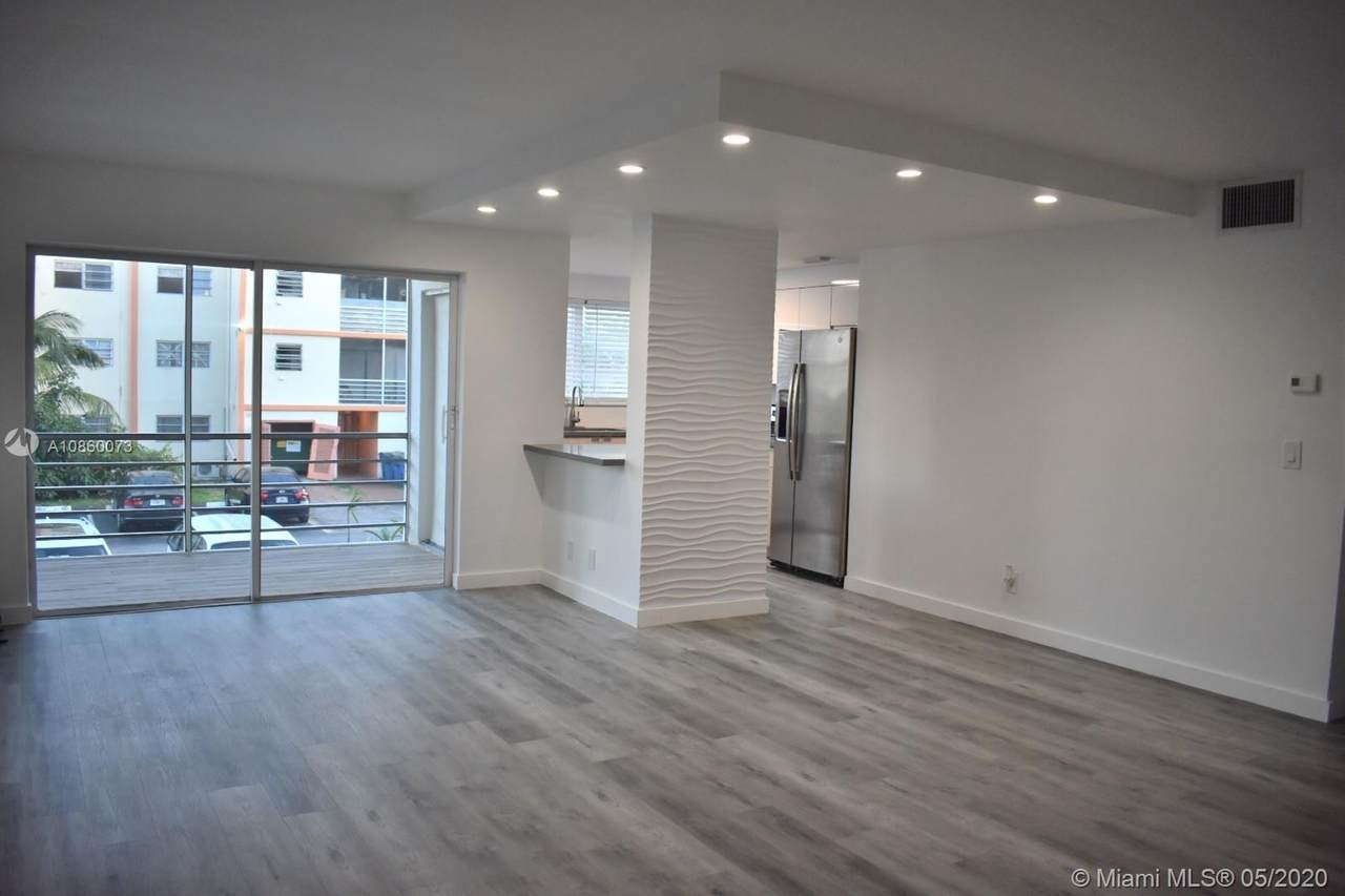 2251 41st Ave - Photo 1