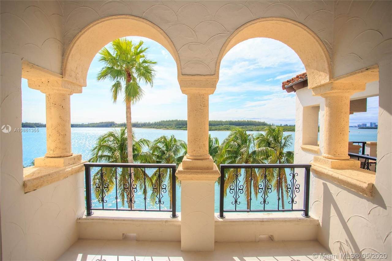 2442 Fisher Island Dr - Photo 1