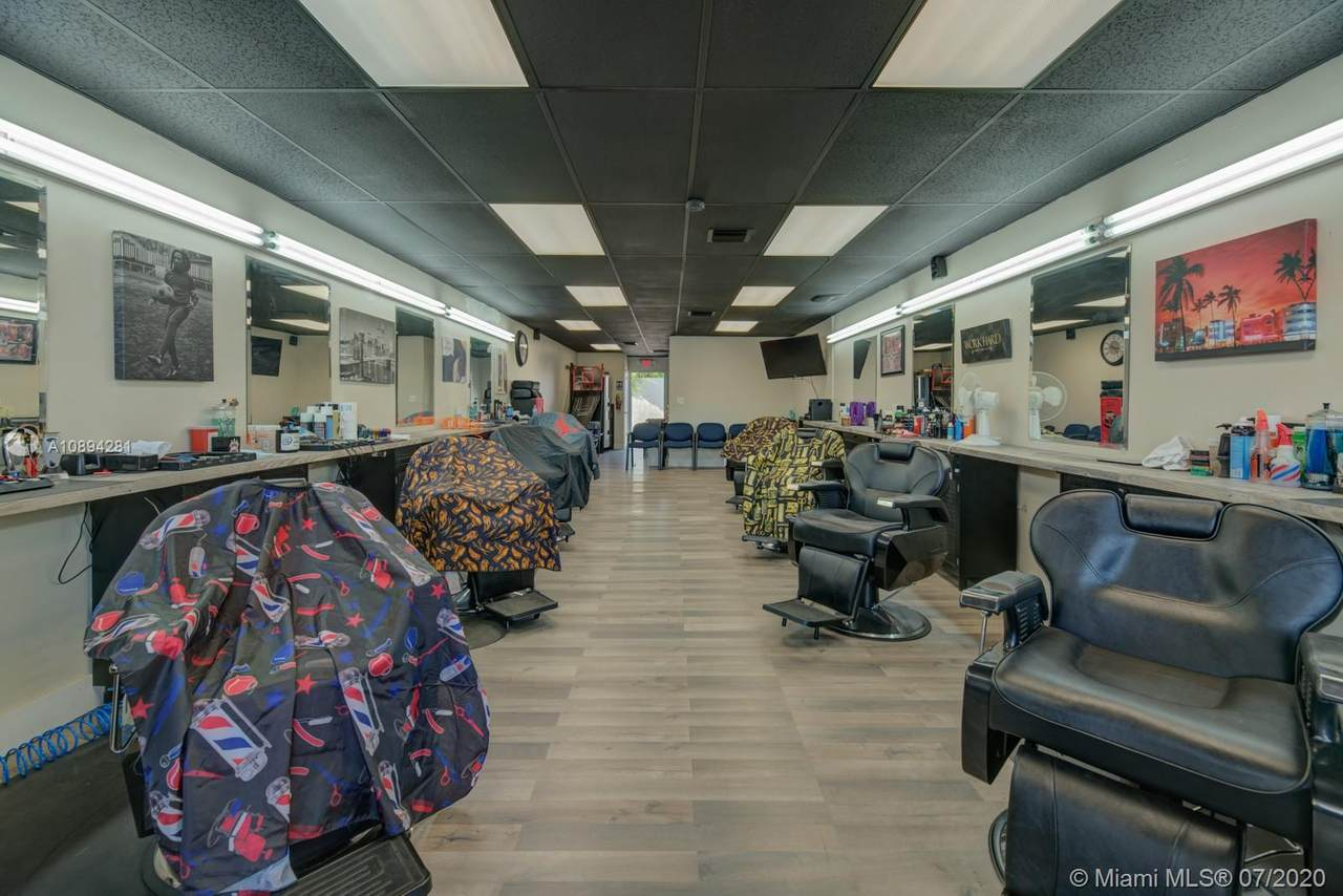 Barbershop By Fiu - Photo 1