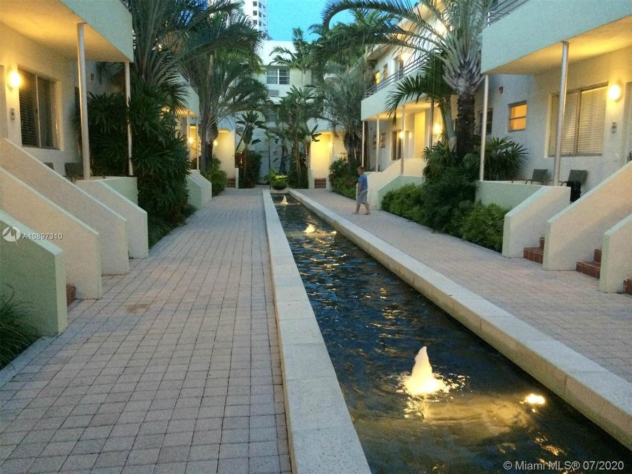 1850 Collins Ave - Photo 1
