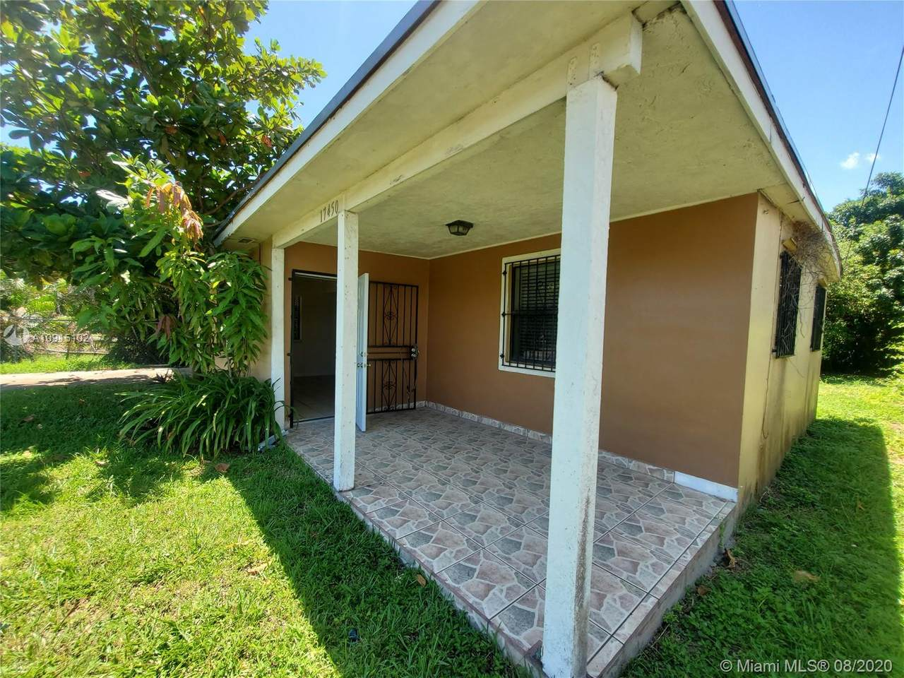 17450 103rd Ave - Photo 1