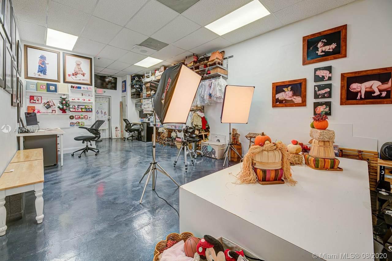 Photo Studio - Photo 1