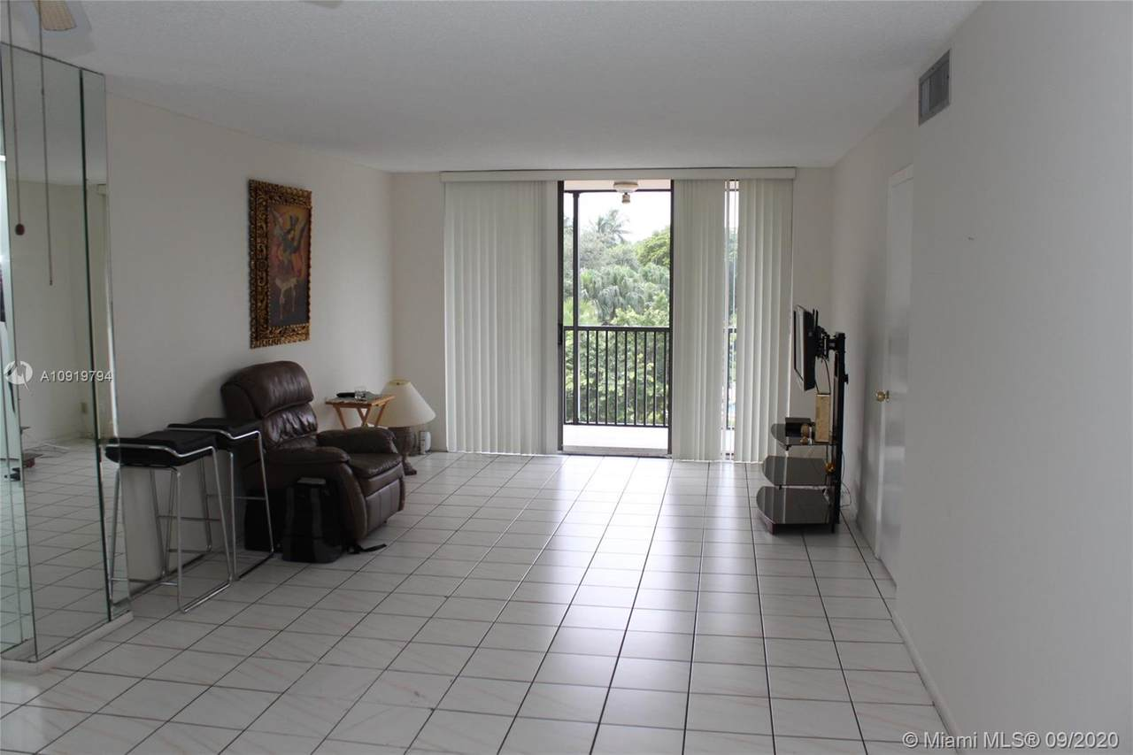3301 Country Club Dr - Photo 1