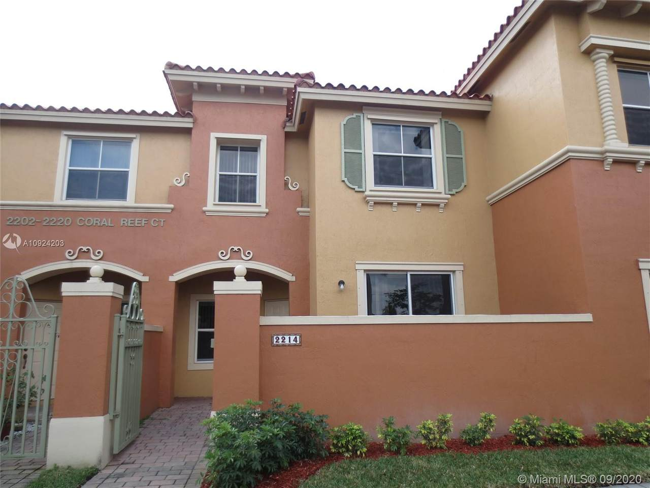 2214 Coral Reef Ct - Photo 1