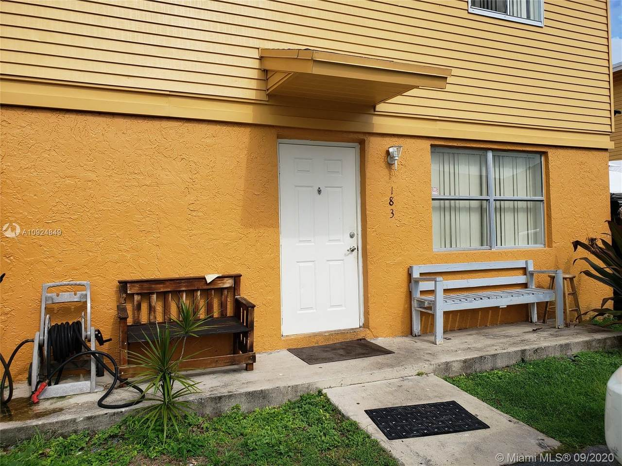 183 12th Ave - Photo 1