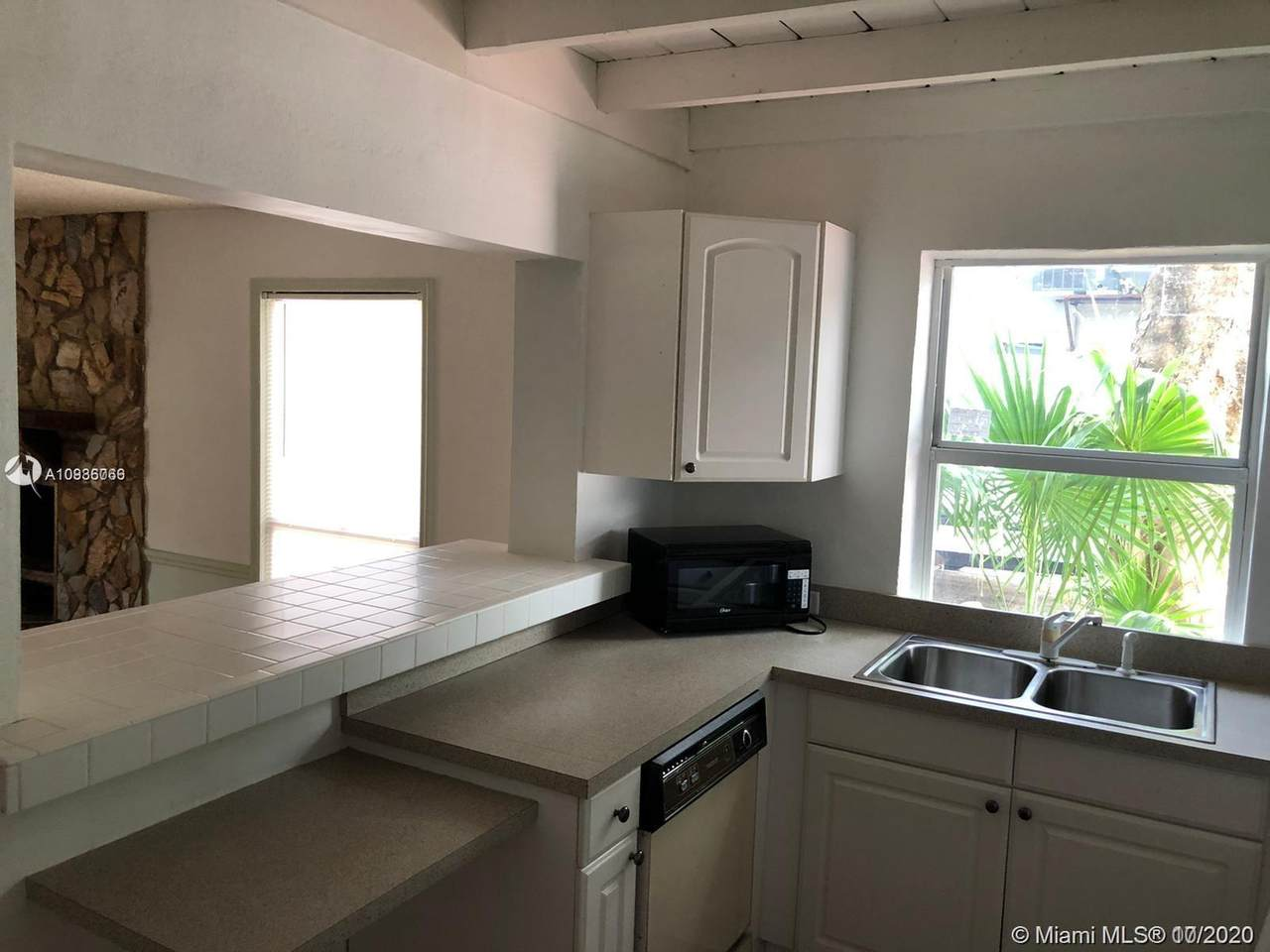 4010 54th Ave - Photo 1