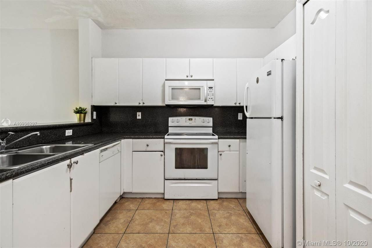 2731 17th Ave - Photo 1