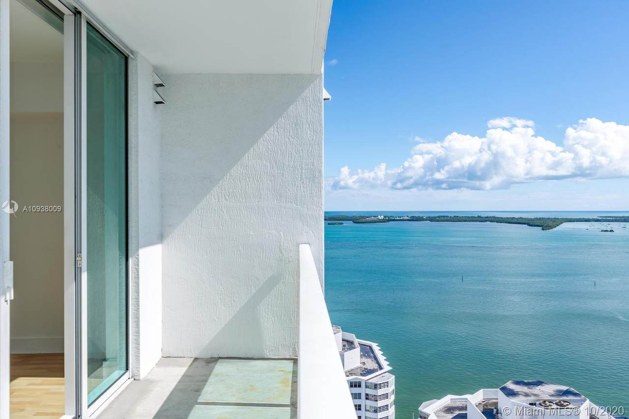 950 Brickell Bay Dr - Photo 1