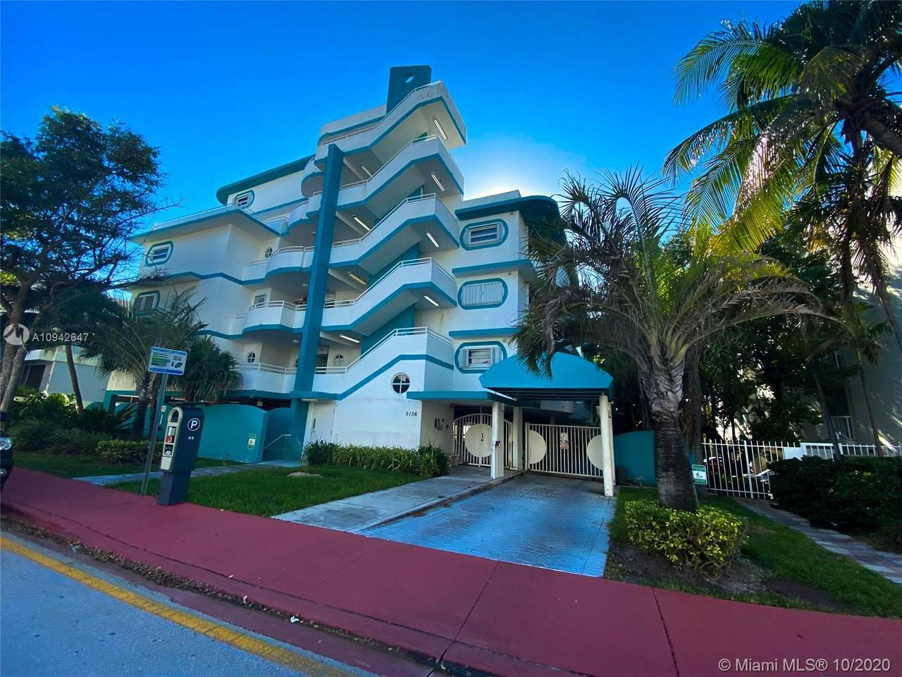 9156 Collins Ave - Photo 1