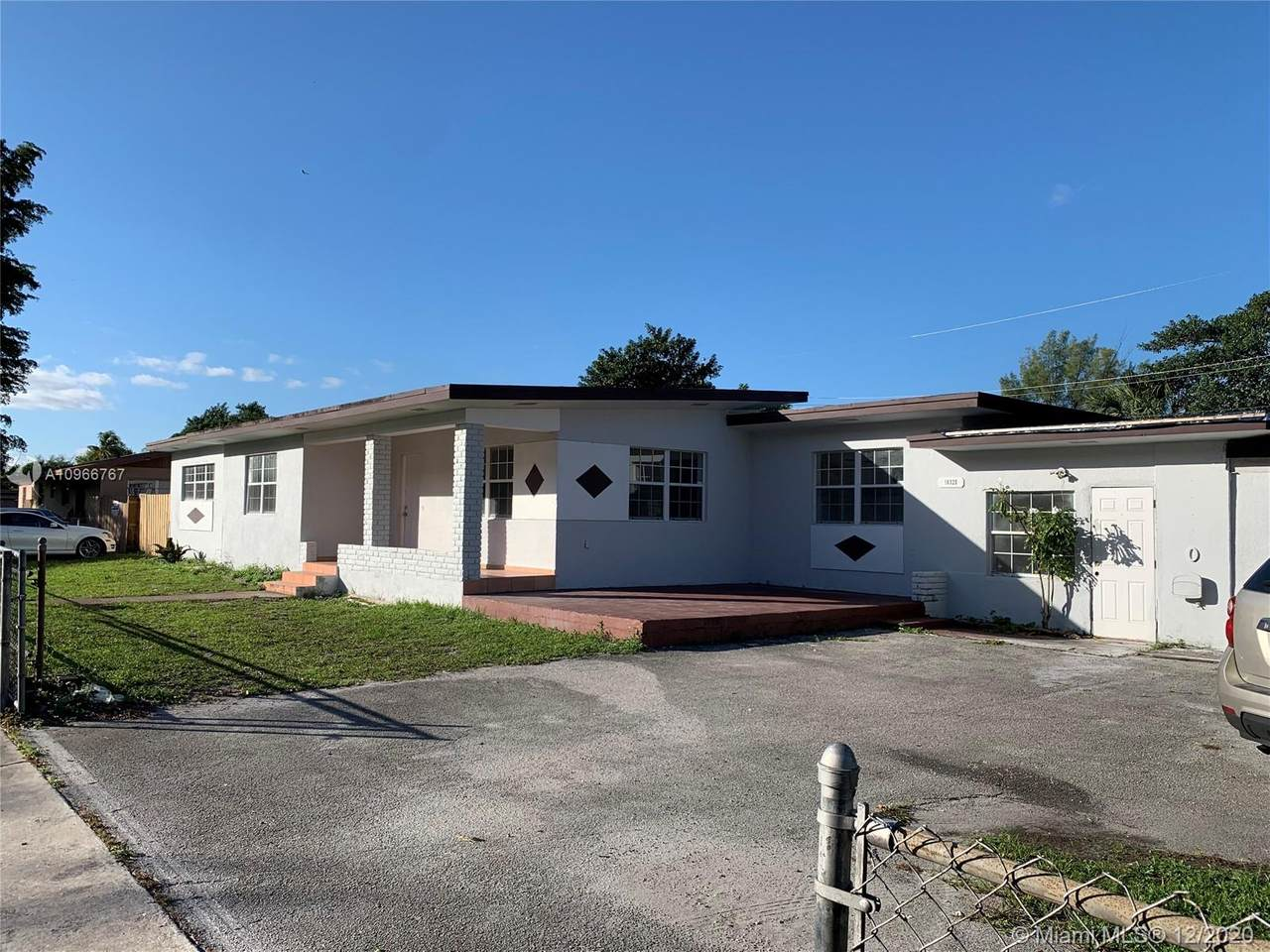 16320 37th Ave - Photo 1