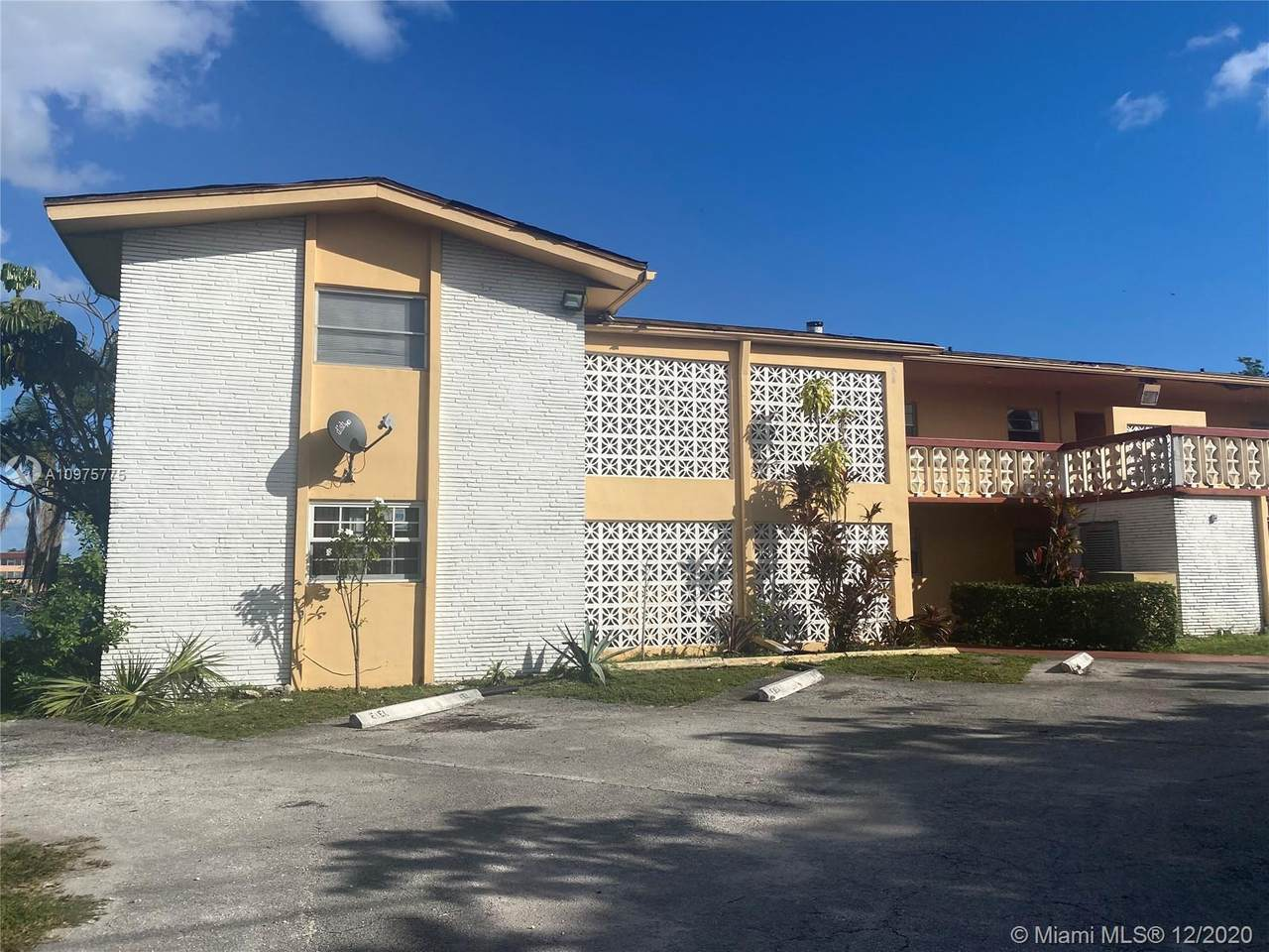 18707 2nd Ave - Photo 1