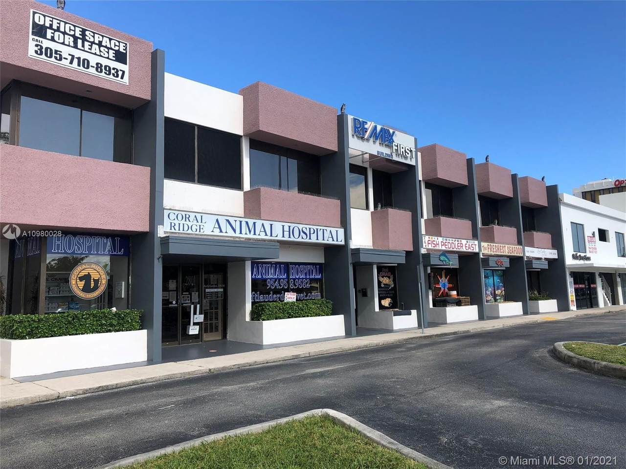 2801 Commercial Blvd - Photo 1