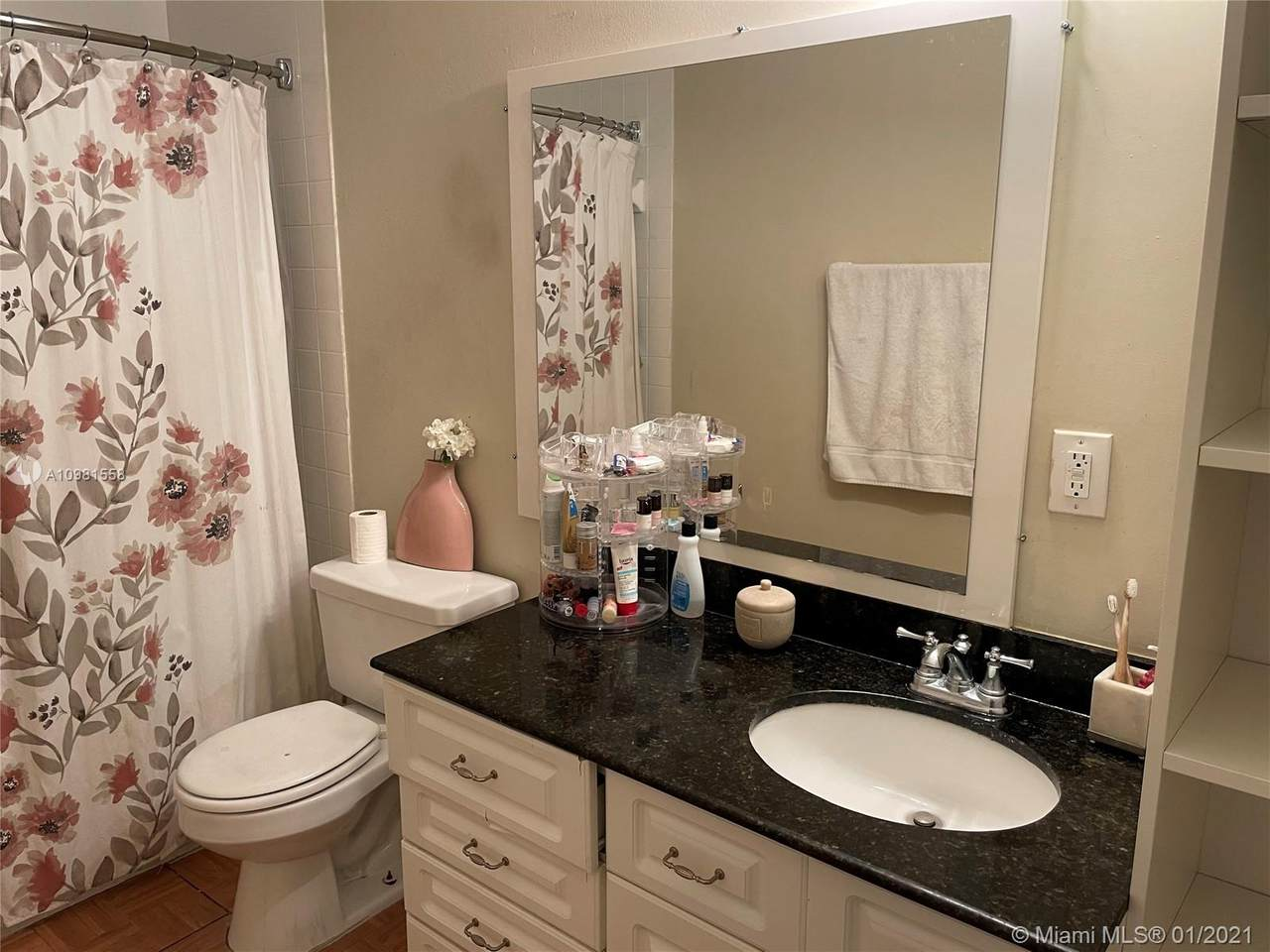4920 79th Ave - Photo 1