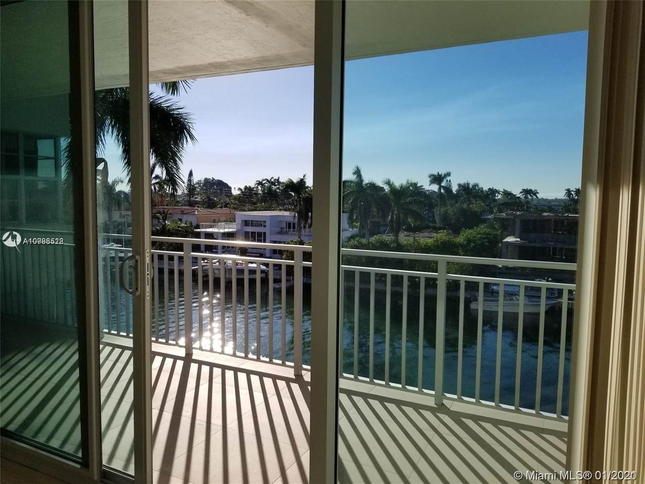 9500 Bay Harbor Dr - Photo 1