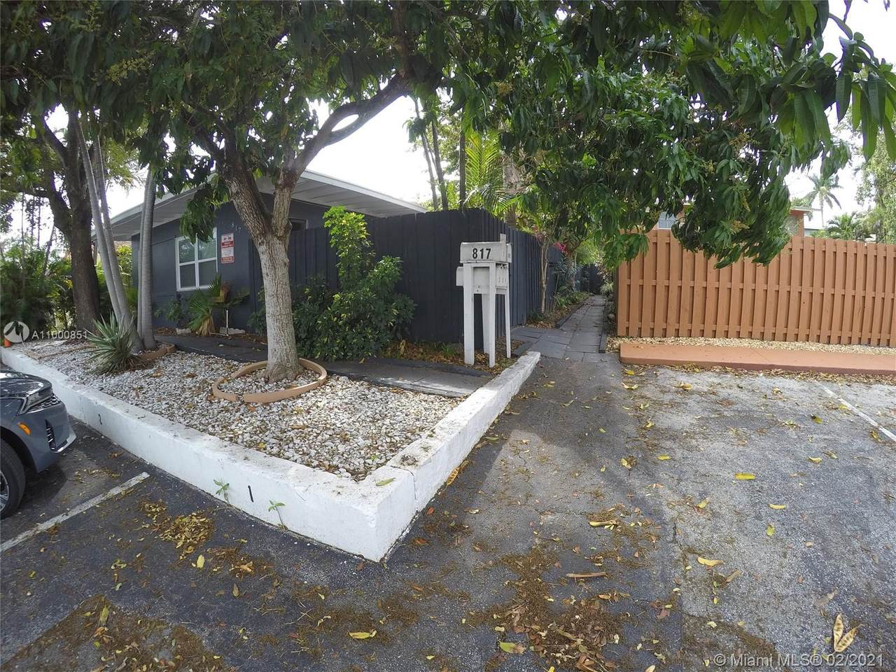 817 19th Ave - Photo 1